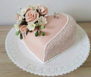 Beautiful birthday cakes in Noida