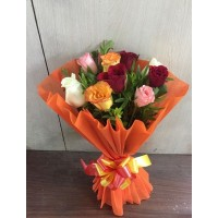 10-Mix Roses Hand Bunch